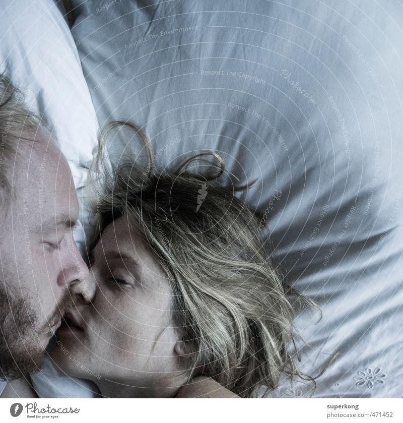 – Mensch Jugendliche schön Junge Frau Junger Mann Gesicht Liebe Erotik Gefühle feminin Traurigkeit Glück Kopf liegen träumen Stimmung