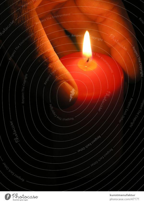 Kerzenlichterschein dunkel hell Stimmung Kerze Romantik