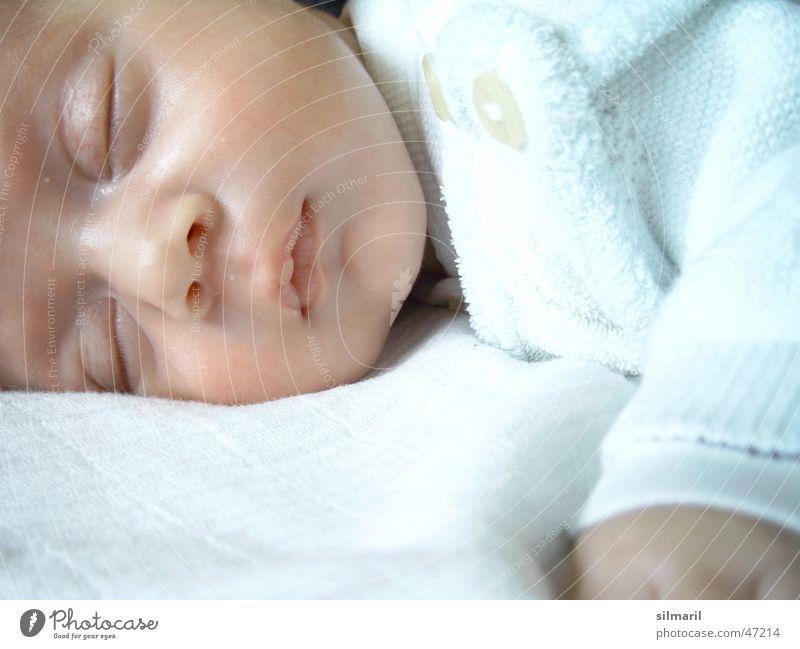 Sleep well Mensch Erholung ruhig Gesicht Gesundheit Gesundheitswesen liegen träumen Zufriedenheit Raum Kindheit Baby niedlich schlafen Bett Wohlgefühl
