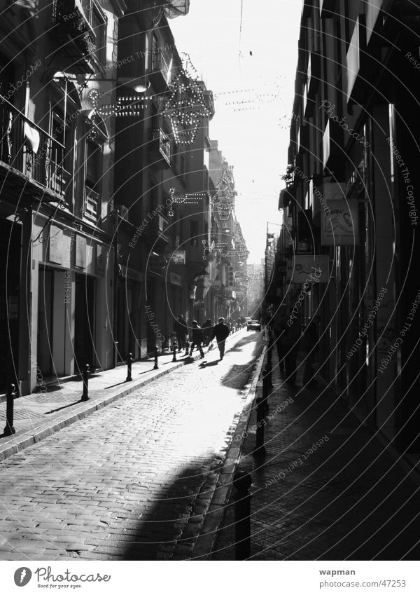 Granada Andalusien Spanien Gebäude Straße Schwarzweißfoto Schatten Kontrast