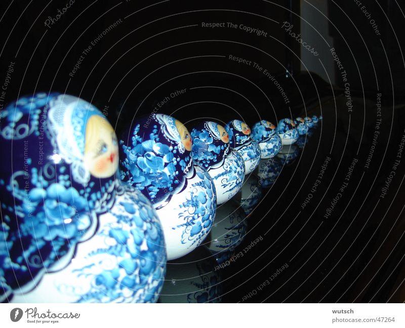 Matroschka klein groß Wachstum Spielzeug Russland Gentechnik Souvenir Entwicklung Reifezeit Klonen