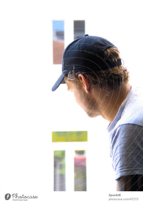 siggi Mann Mütze Baseballmütze Fenster Reflexion & Spiegelung weiß mehrfarbig T-Shirt Köln Hannover Typ basecab kappe reflektion Tattoo