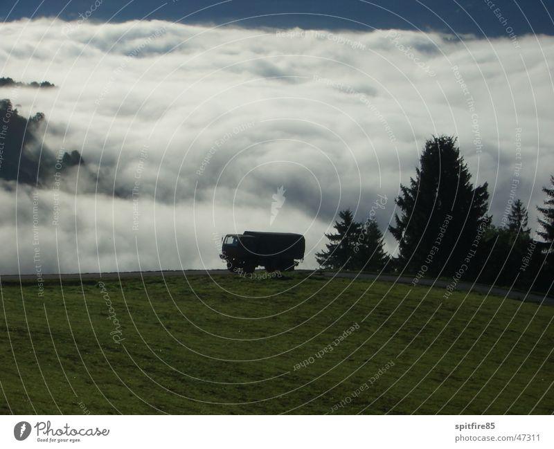 Wolkenmeer Nebel groß Lastwagen Tal Armee Bundesheer