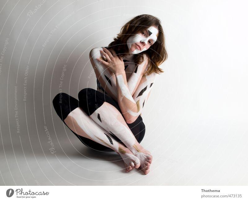painted - black&white Mensch feminin Junge Frau Jugendliche 1 18-30 Jahre Erwachsene Kunst Körpermalerei brünett langhaarig ästhetisch außergewöhnlich
