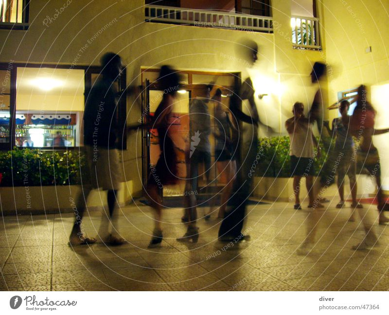 Salsa-Fieber Salsatänzer Tanzen Tanzveranstaltung Kuba Nacht Party Paar Mensch Bewegung Freude Open Air Langzeitbelichtung Partygast