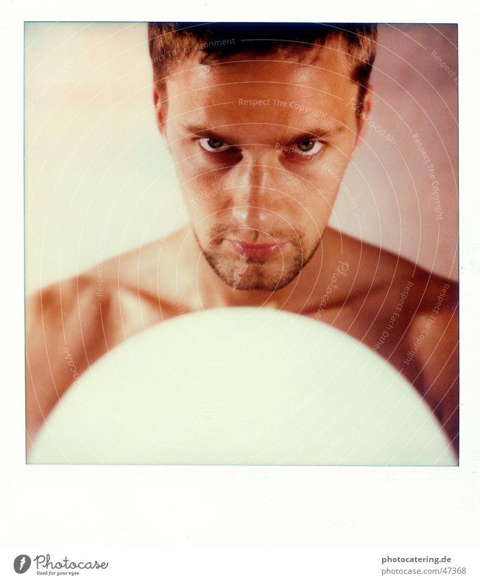 SX 70 Polaroid Mann böse Bart Haut Auge Coolness Blick