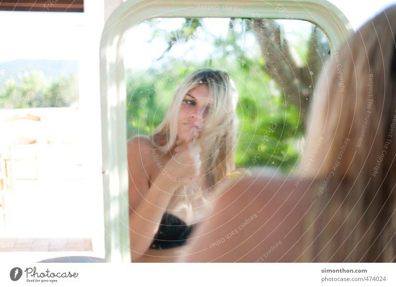Spieglein, Spieglein schön Körperpflege Haare & Frisuren Gesicht Ferien & Urlaub & Reisen Freiheit Sommer Sommerurlaub Sonne Meer Insel feminin 1 Mensch Natur