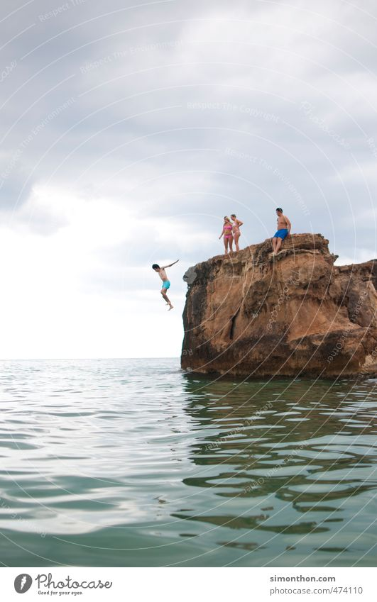 Sprung Natur Ferien & Urlaub & Reisen nackt Sommer Sonne Meer Freude Ferne Leben Freiheit Stimmung Erde Wellen Tourismus Insel Ausflug