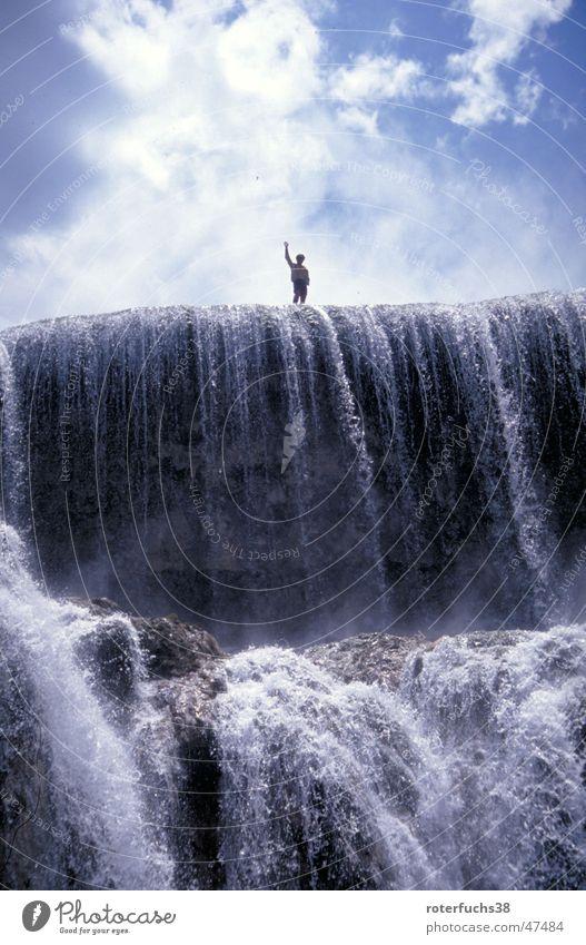 waterfall heroe winken fließen China Chinesisch Panda gefährlich Tibet Außenaufnahme Wasserfall Held blau hinmmel juzhaigou Nationalpark wasserspiel Stein