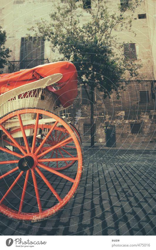 Hinterrad alt Baum rot Straße Gebäude Holz Freizeit & Hobby Tourismus Platz rund historisch Rad Kopfsteinpflaster Spanien Sightseeing Marktplatz