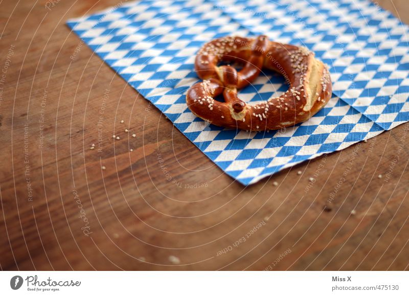 Oktoberfest Lebensmittel Teigwaren Backwaren Ernährung Essen Mittagessen Büffet Brunch Fastfood Feste & Feiern lecker Brezel bayerisch Bayern blau-weiß salzig