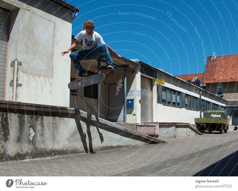 air artistic´s Sonne springen Luft Industriefotografie Skateboarding Blauer Himmel Trick Kickflip