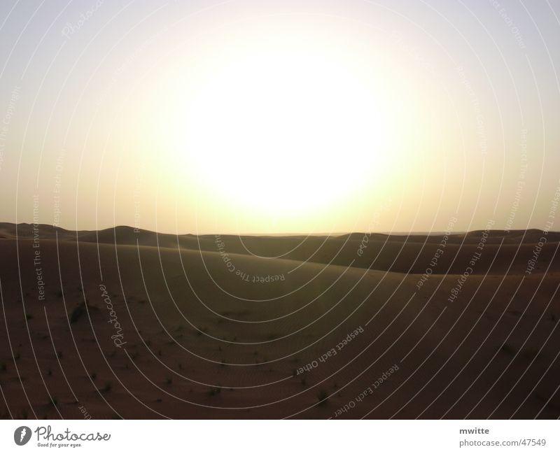 Sonnenuntergang in der Wüste Sonne Sand Wüste Dubai Arabien Vereinigte Arabische Emirate