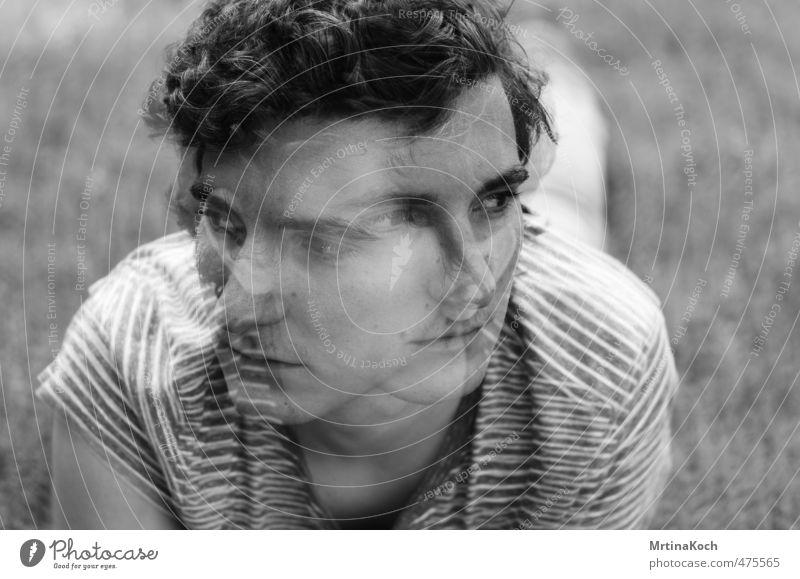 gather and run. Mensch Jugendliche Mann 18-30 Jahre Junger Mann Gesicht Erwachsene Traurigkeit Bewegung maskulin Körper genießen beobachten Neugier Glaube entdecken