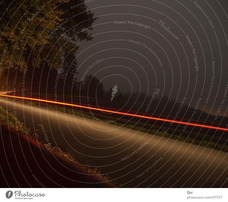 Lichtspur Langzeitbelichtung Nacht Lichtstreifen Straße time exposure night light stripe road