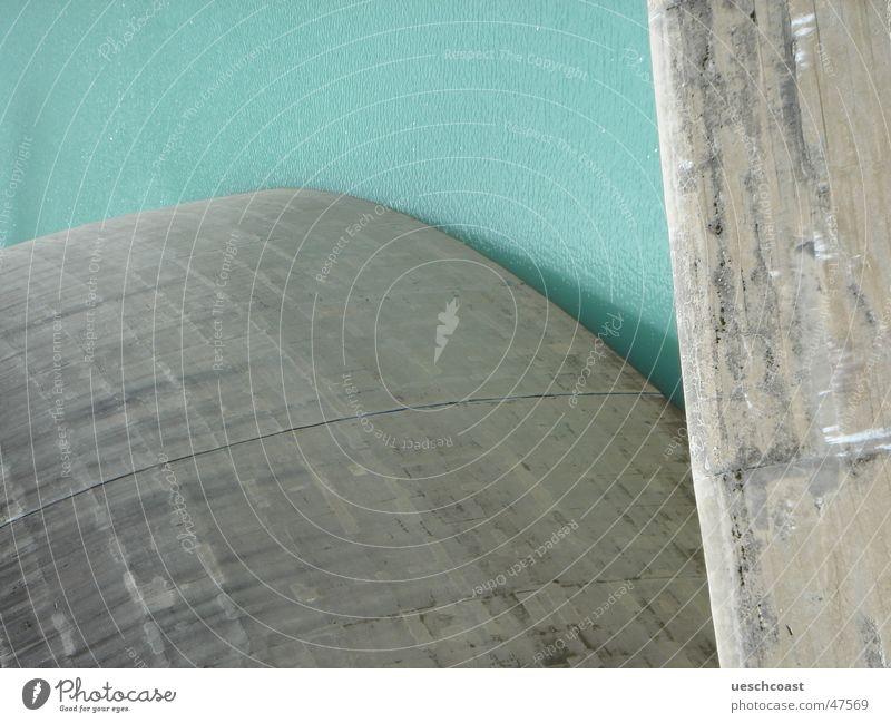 Zervreila Stausee rund stark Flüssigkeit Geschwindigkeit türkis grün Mauer Stabilität Beton Material robust Barriere Wasserkraftwerk Staumauer Kalk massiv grau