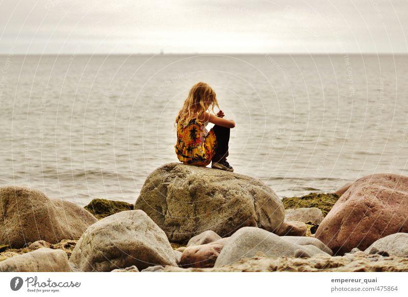 Die kleine Meerjungfrau Mensch feminin Mädchen Sand Wasser Himmel Sommer Küste Ostsee Schifffahrt Kleid langhaarig goldenes Haar Muschel Schwimmen & Baden