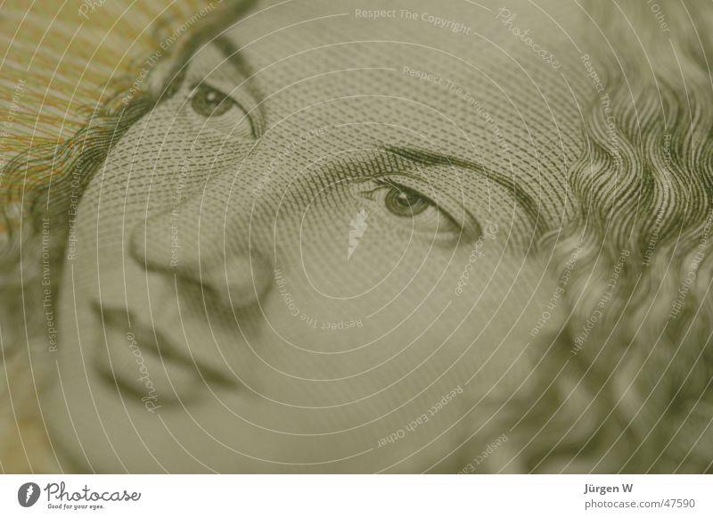 Mit 5 Mark sind Sie dabei fünf Deutsche Mark Geldscheine grün Frau Nahaufnahme Fototechnik Makroaufnahme woman Fünfmarkschein
