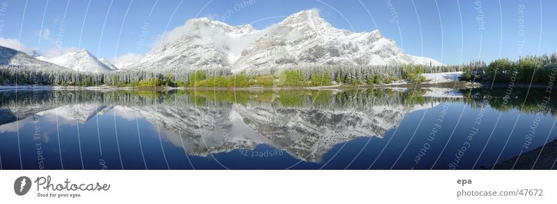 September in Kanada 2 Wasser Himmel Sonne blau Ferien & Urlaub & Reisen Schnee Berge u. Gebirge See Landschaft groß Kanada Amerika Panorama (Bildformat) Nationalpark Reflexion & Spiegelung