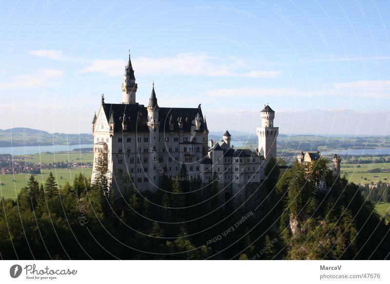 Schloss Neuschwanstein Schloß Neuschwanstein Märchen Schloß Hohenschwangau Märchenschloss Burg oder Schloss könig ludwig ii. von bayern