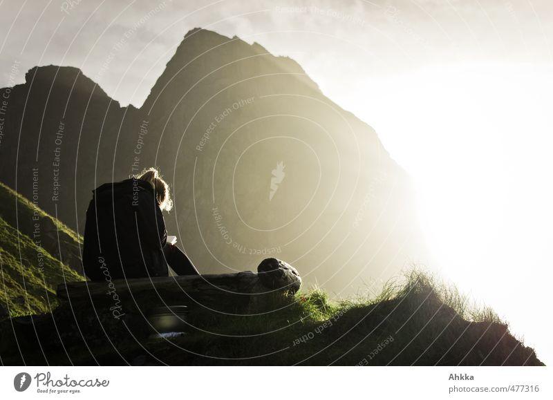 nordfor sola II Natur Erholung Landschaft ruhig Ferne Berge u. Gebirge Gefühle feminin Freiheit Stimmung Zufriedenheit Rücken frei Abenteuer fantastisch