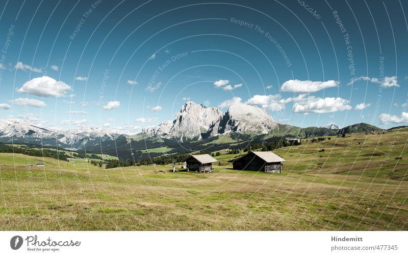 Steine im Vorgarten (2) Himmel Ferien & Urlaub & Reisen blau grün Sommer Wolken Wald Berge u. Gebirge Wiese Gras grau Felsen Zufriedenheit groß Tourismus stehen