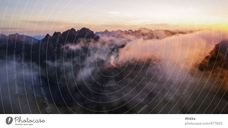 Lofoten VII Natur Ferien & Urlaub & Reisen Einsamkeit ruhig Landschaft Ferne Berge u. Gebirge Gefühle Freiheit außergewöhnlich Hintergrundbild Stimmung fliegen