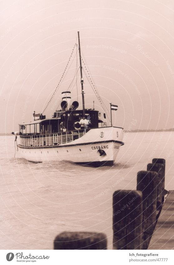 Csobanc Steg Anlegestelle Wasserfahrzeug Fähre Plattensee Balatongyörök