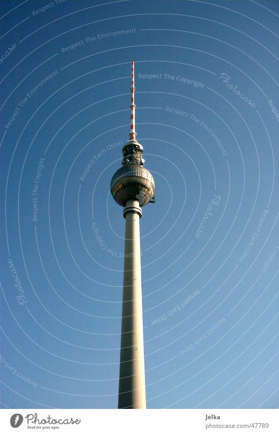 Berliner Fernsehturm hoch Turm