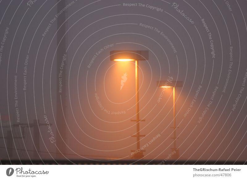 Licht am Morgen Nebel Laterne Lichterscheinung Scheinwerfer