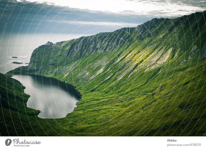Lofoten IX Natur Ferien & Urlaub & Reisen grün Meer Landschaft Einsamkeit Ferne Berge u. Gebirge Denken Freiheit See Stimmung Tourismus wild authentisch