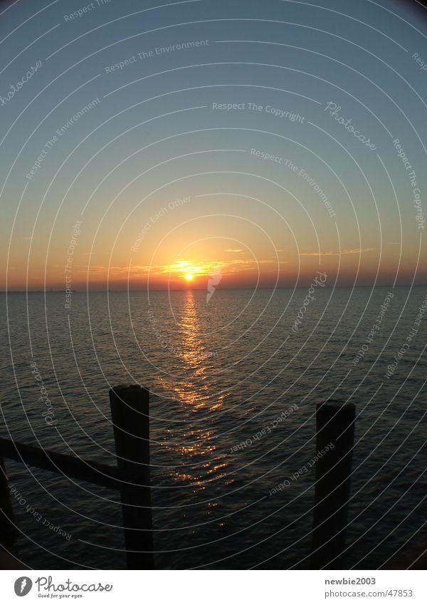 Morgens Meer und Sonne Sonne Meer Sonnenaufgang
