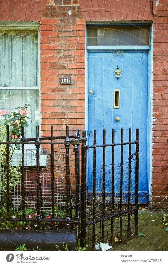 No. 101 Haus Einfamilienhaus Bauwerk Gebäude Architektur Mauer Wand Fassade einzigartig Stadt Vergangenheit Vergänglichkeit Wandel & Veränderung