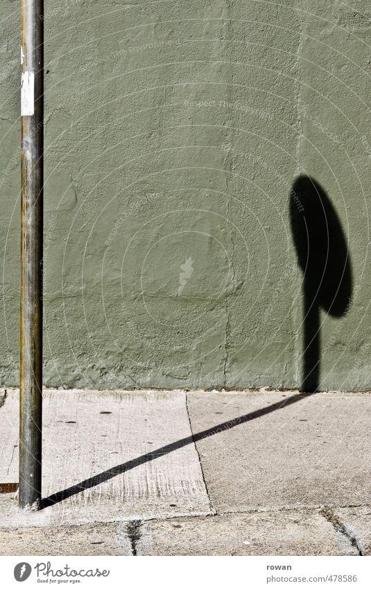 schild Stadt grün Wand Straße Mauer Wege & Pfade Fassade Verkehr Schilder & Markierungen rund Bürgersteig Verkehrswege Warnhinweis Stadtzentrum Stab
