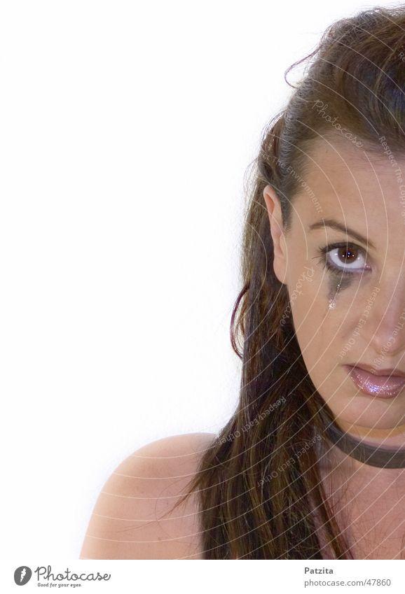 Tränen Frau Mensch schön weiß Gesicht Auge feminin Traurigkeit Mund rosa Beautyfotografie Trauer Lippen weinen langhaarig