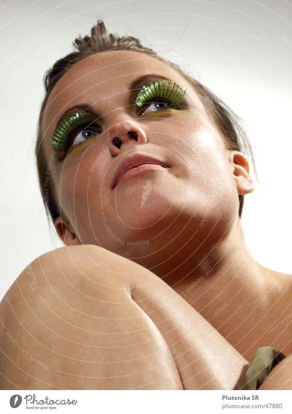 Eyelashes in April Frau grün Gesicht Auge Mund Beine hell Haut Ohr Hals Wimpern Knie Kinn