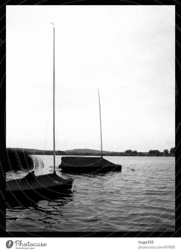 Herr: es ist Zeit. Der Sommer war sehr groß... Wasser ruhig See Wasserfahrzeug Segelboot Windstille Brandenburg Abdeckung