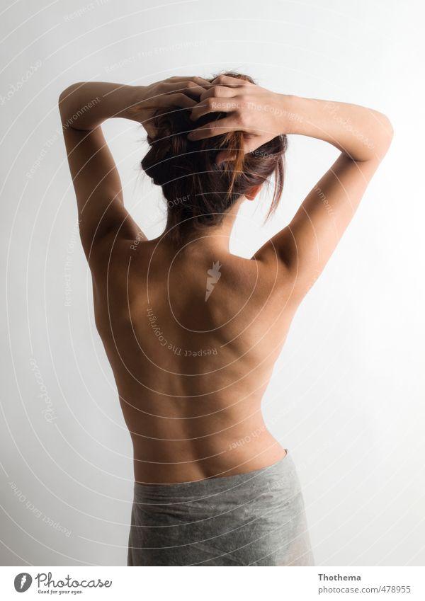 Rücken pur Mensch feminin Junge Frau Jugendliche 1 18-30 Jahre Erwachsene Haare & Frisuren brünett langhaarig ästhetisch elegant schön Erotik Farbfoto