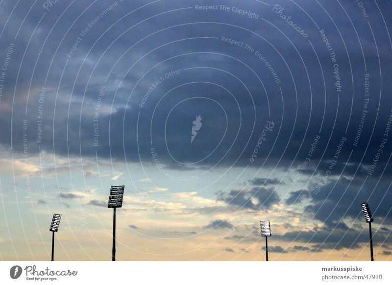 flutlichter Stadion Weltmeisterschaft 2006 Wolken Sonnenuntergang Spielen Licht Flutlicht Himmel Scheinwerfer