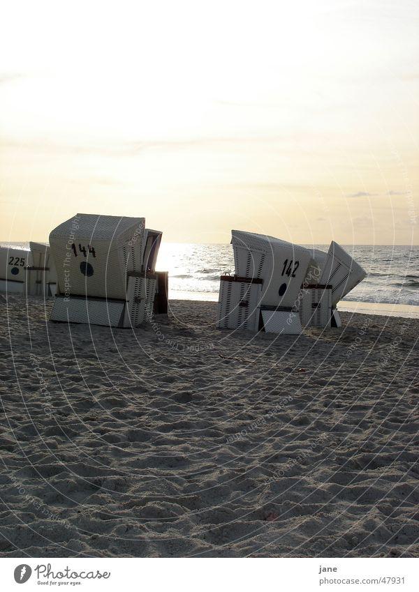 Spätsommer am Sylter Strand Kampen Strandkorb Sonnenuntergang Herbst Ferien & Urlaub & Reisen Meer Fernweh Romantik Abend Badestelle Herbstbeginn Wolken Wasser