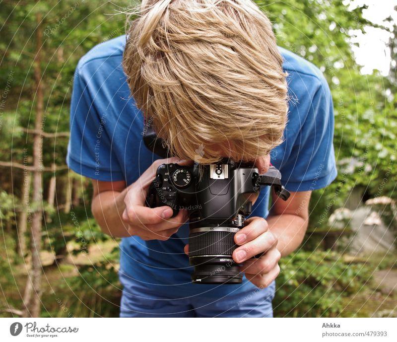 Bitte Lächeln Natur Ferien & Urlaub & Reisen Freude Leben Stimmung maskulin blond Erfolg Perspektive beobachten Kreativität einzigartig Idee Neugier Fotokamera