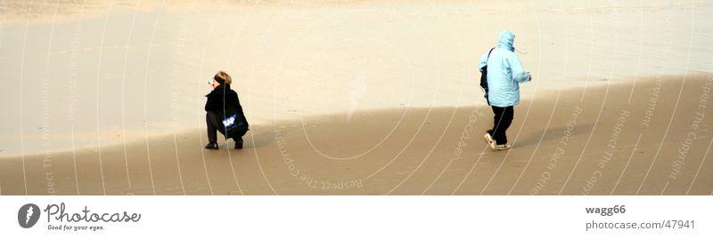 kommst du mit? Strand Ferien & Urlaub & Reisen Meer laufen Sand Bild machen Schatten walking