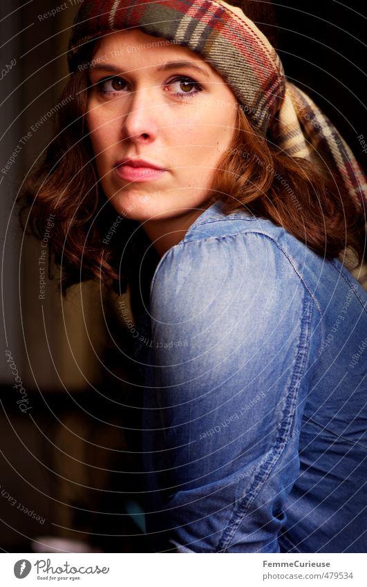 Autumnal Woman (II). Mensch Frau Jugendliche blau schön Erholung ruhig Junge Frau Erwachsene 18-30 Jahre feminin Herbst Stil Kopf elegant modern