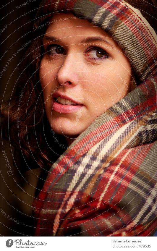Autumnal Woman (VI). elegant Stil schön feminin Junge Frau Jugendliche Erwachsene Kopf Gesicht 1 Mensch 18-30 Jahre ästhetisch natürlich Accessoire Schal