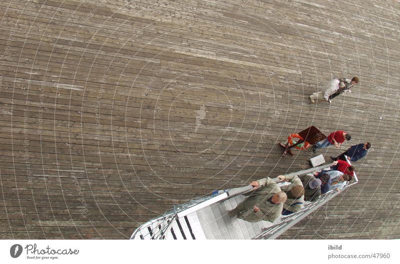 alle mann an bord Wasserfahrzeug Treppe Leiter Gangway ankern Niedergang ausschiffen einschiffen