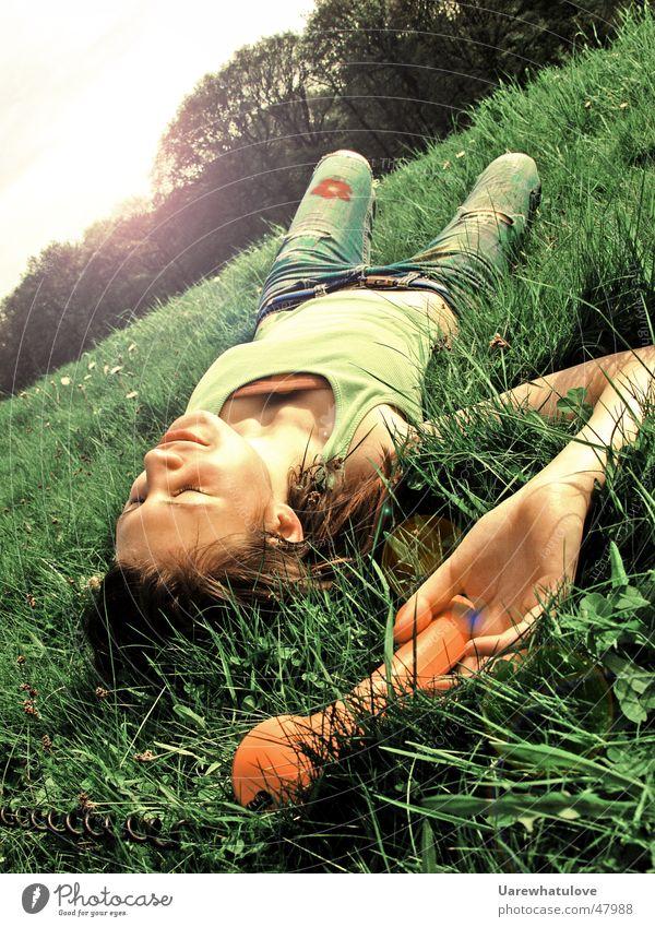 Sunshine is calling Frau Natur Sonne grün Wald Erholung Wiese lachen orange Feld Telefon liegen Publikum genießen