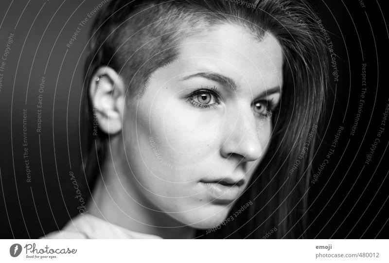 Jubi #1: 1900 Mensch Jugendliche Junge Frau Gesicht Erwachsene 18-30 Jahre feminin einzigartig trendy Punk rasiert androgyn