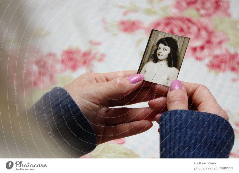 mater Kind Jugendliche alt Hand Junge Frau Mädchen Leben feminin natürlich rosa Familie & Verwandtschaft Kindheit Fotografie Vergänglichkeit Ewigkeit festhalten