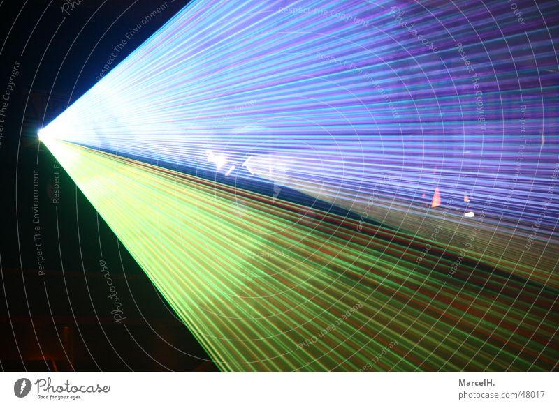 Lightshow Laser Show Nacht Himmel Party Licht Nebel Disco Club sky Reaktionen u. Effekte