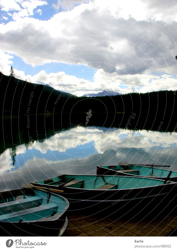 Der perfekte Tag Wasser Himmel weiß blau Sommer Ferien & Urlaub & Reisen ruhig Wolken Wald Berge u. Gebirge See Wasserfahrzeug Frieden Idylle türkis Kanada